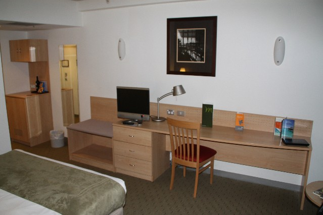 Crossley Hotel TV and desk